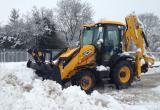 Котлашане не довольны уборкой снега в городе: чистят дороги, а сваливают снег во дворы (ВИДЕО)